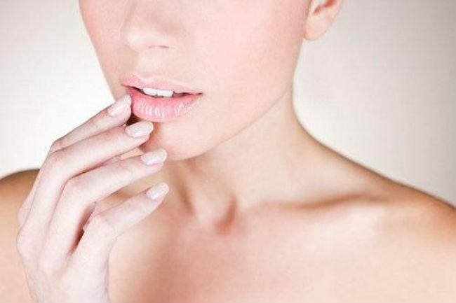 лечение трещин на губах