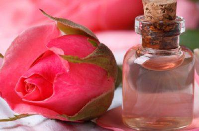 вода из лепестков роз для лица